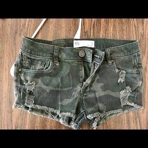 RSQ Camo shorts